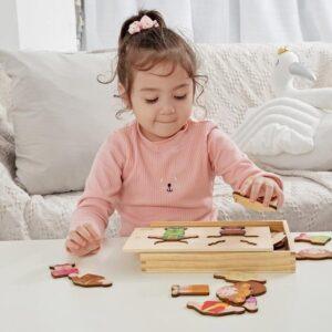 Дървен пъзел с дрехи - Детски играчки - Пъзели - Дървени играчки - Пъзели