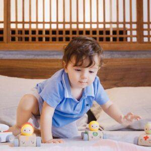Детска дървена количка - Линейка - Детски играчки - Дървени играчки