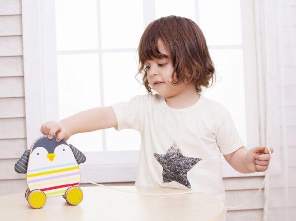 Детско дървено пингвинче за дърпане - Детски играчки - За дърпане и бутане - Дървени играчки