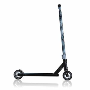 Тротинетка за фрийстайл и скачане Globber GS 720 - черна/синя - Тротинетки - Играчки за навън - Фрийстайл тротинетки за скачане и трикове